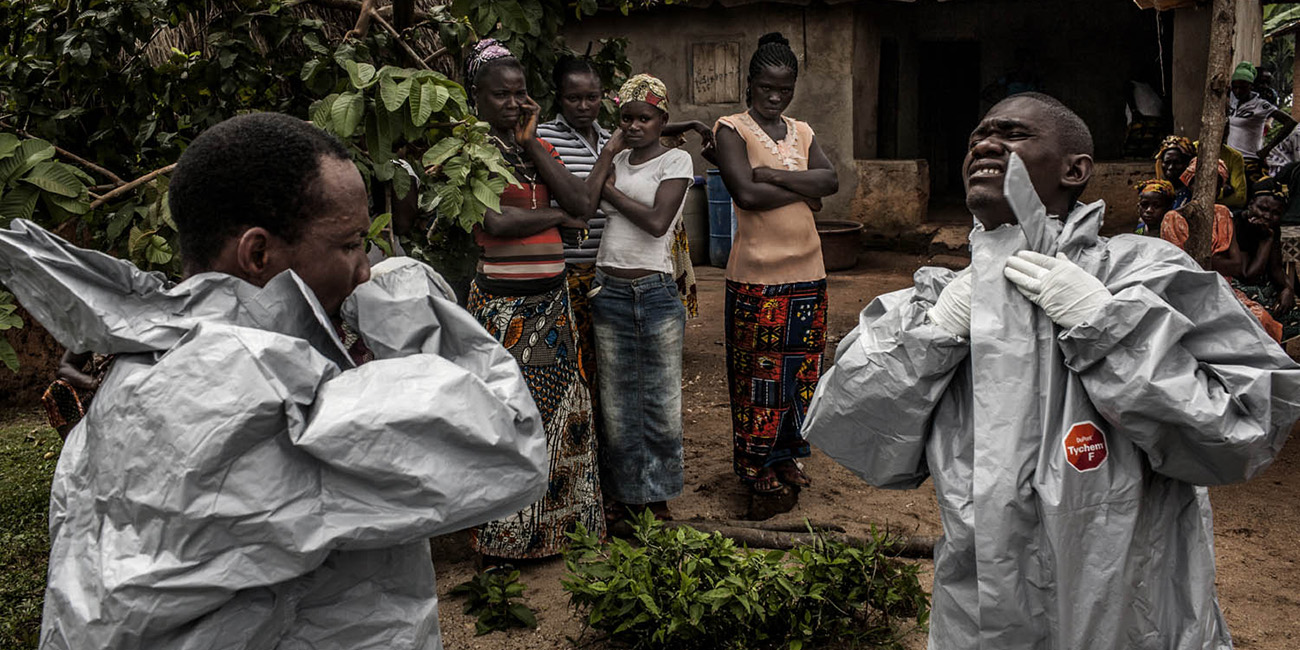 Hot Point: Photographers Shooting Ebola in Africa
